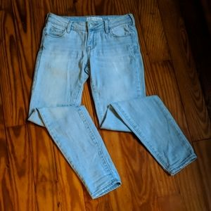 Bullhead denim company low-rise skinny jeans